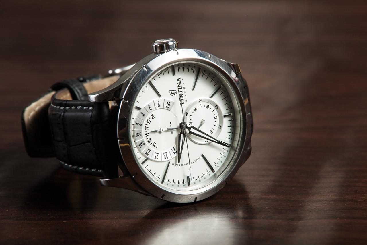 wristwatch, watch, accessory-407096.jpg